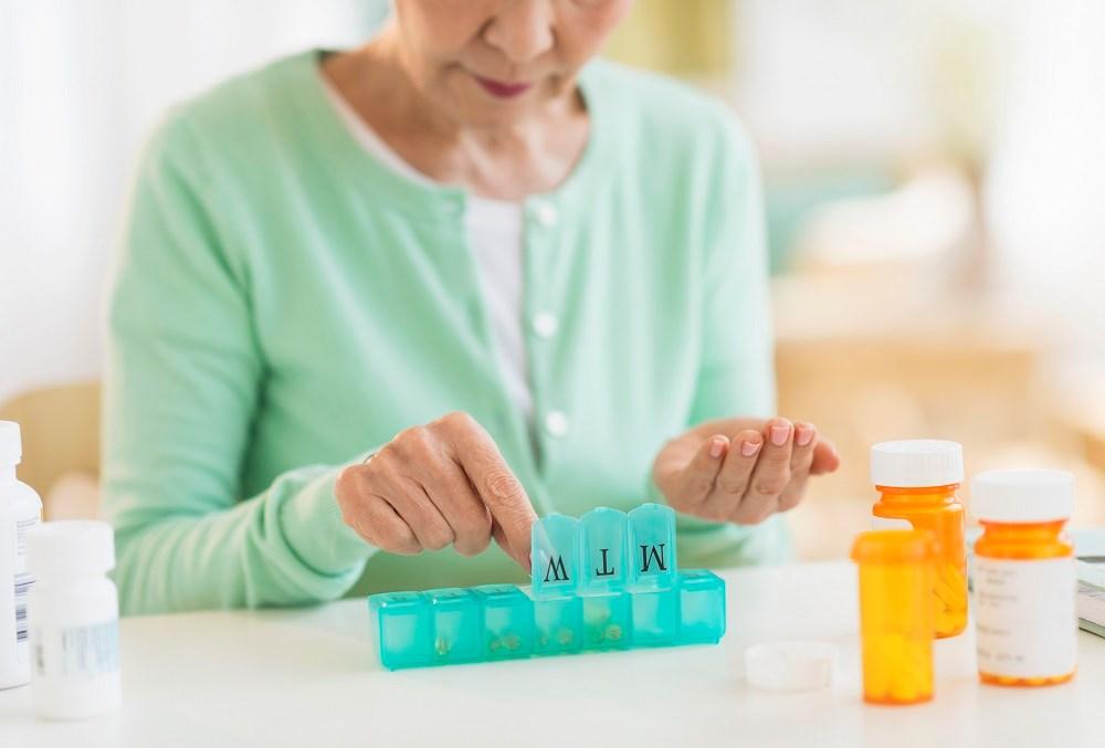 High-outlying prescribing physicians had higher historical rates of statin prescribing.