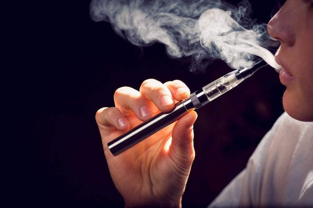 E-Cigarette Vapor Condensate Toxic to Alveolar Macrophages