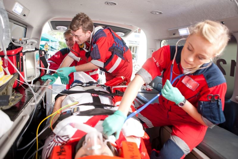 Tracheal Intubation vs Supraglottic Airway Device in Out-of-Hospital Cardiac Arrest