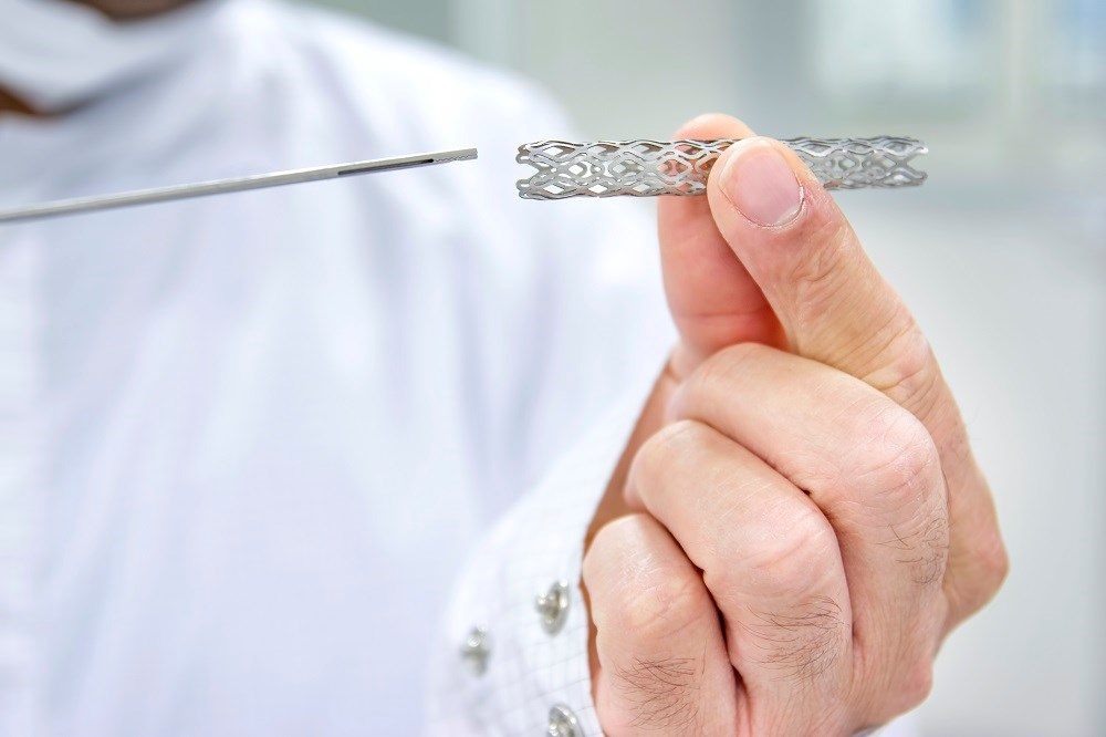 Safety, Effectiveness of Drug-Eluting Stents in Left Main CAD