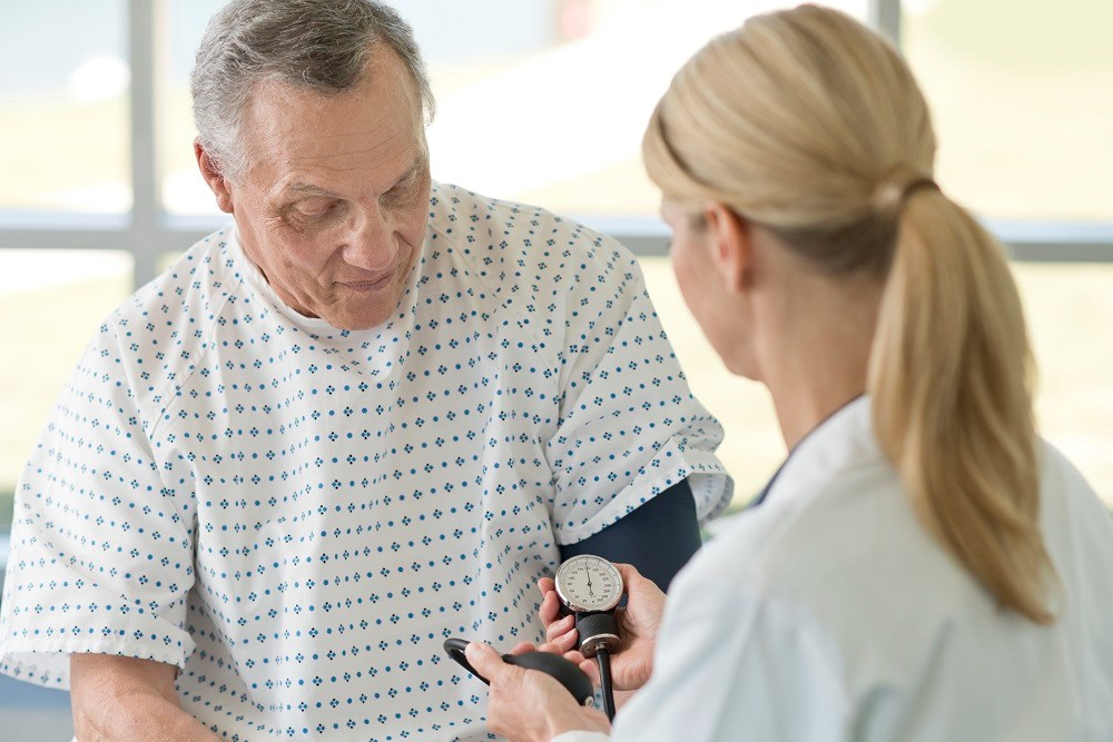 The findings support a systolic blood pressure target of 140 mm Hg in patients with diabetes without prior CVD diagnosis.