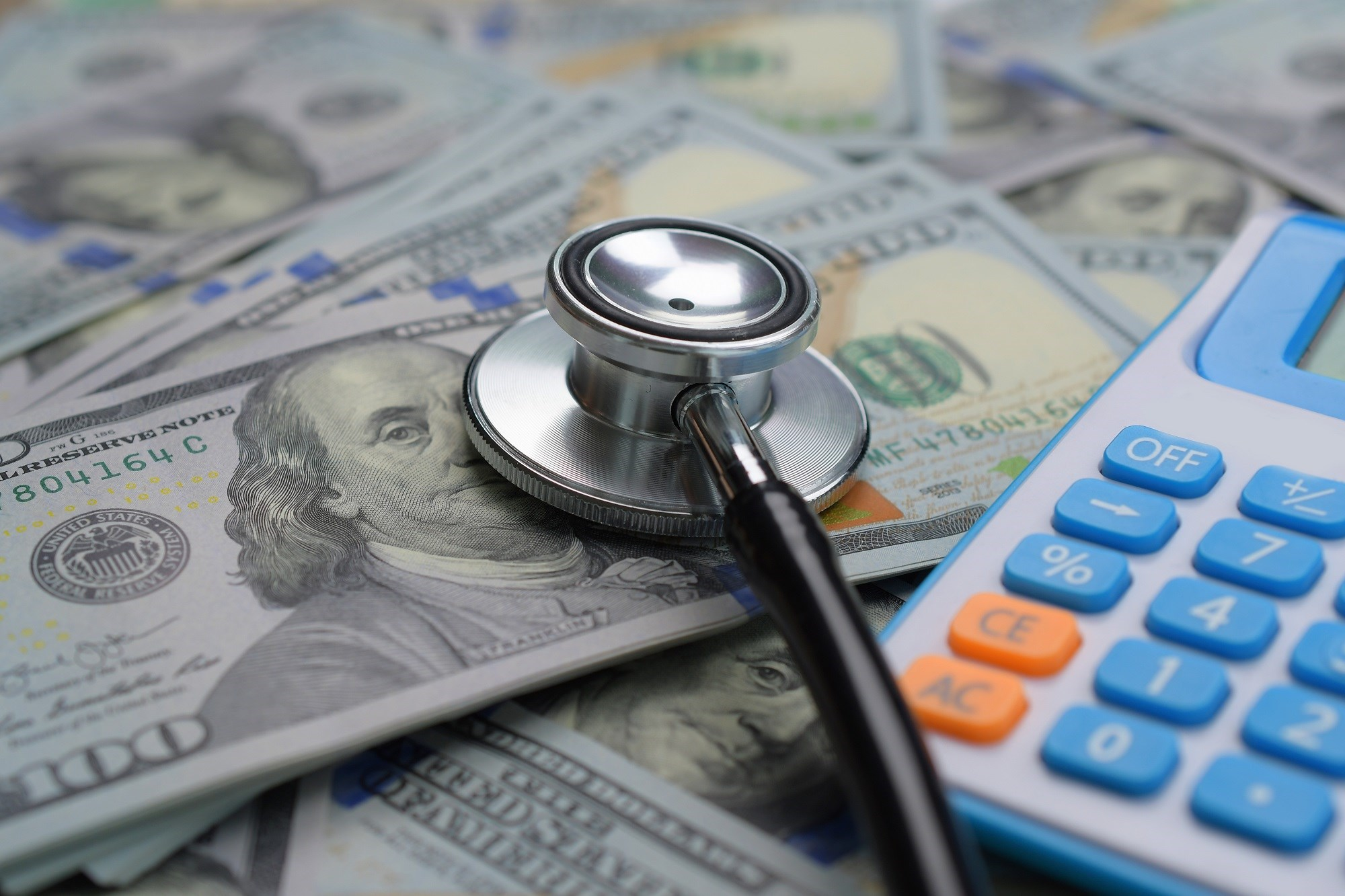 Implementing shared financial incentives between physicians and patients is a cost-effective intervention strategy for controlling LDL-C levels among high-risk patients.