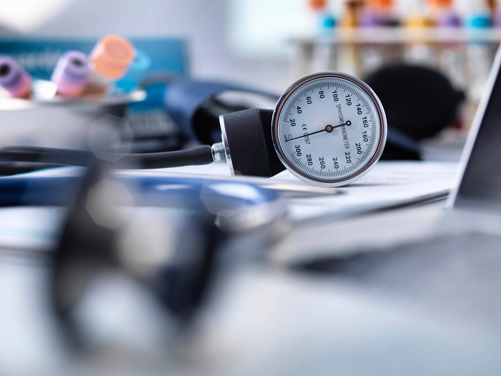 Edentulism Tied to Greater Risk for High BP After Menopause